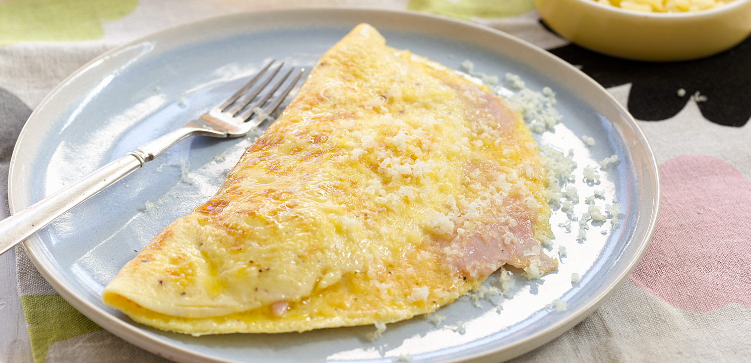 Fluffy Cheese and Ham Omelette